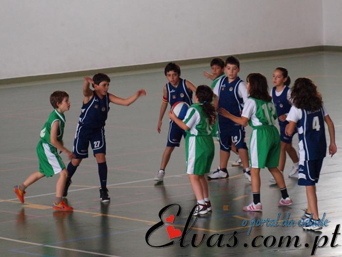 Reportagem FOTOS 'Basquetebol Mini-12 Mistos (CEN - Reguengos)'